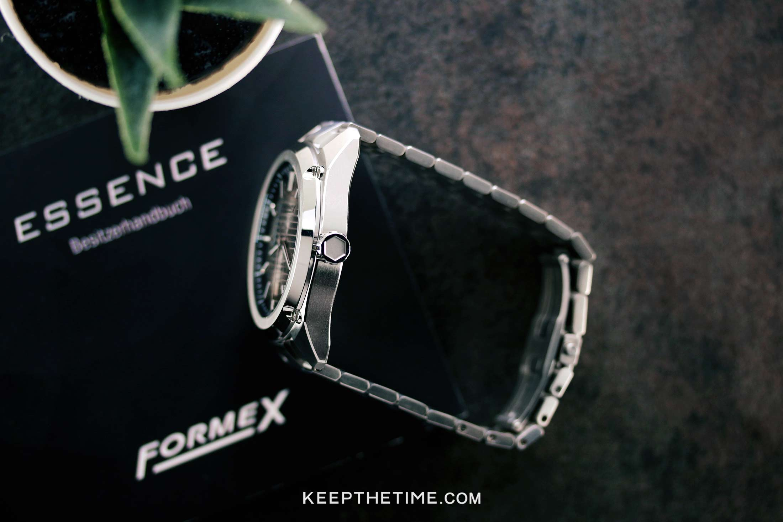 Formex Essence Cosc Case Side